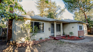 2890 Irwin Rd, Redding, CA 96002