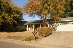 3710 Riverview Dr, Redding, CA 96001