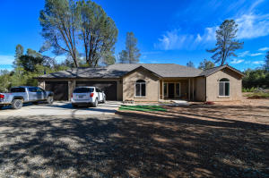 18615 Landes Rd, Cottonwood, CA 96022