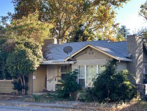2756 Oak St, Anderson, CA 96007