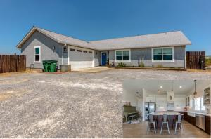 14476 Cloverdale Rd, Anderson, CA 96007