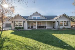 70 Benvenuto Way, Lewiston, CA 96052