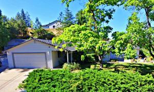 4621 Loch Pl, Shasta Lake, CA 96019