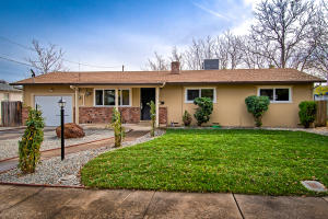 1825 Howard St, Anderson, CA 96007