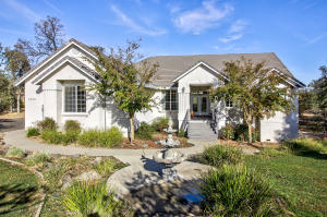 7575 Camino Del Encina Way, Redding, CA 96001