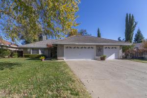 3557 Somerset Ave, Redding, CA 96002