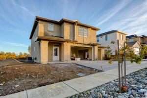 215 Mill Valley Pkwy, Redding, CA 96003