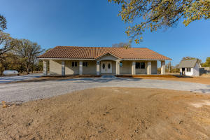 18285 Willow Dr, Cottonwood, CA 96022