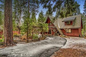 31246 Lake Ridge Dr, Shingletown, CA 96088