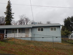 4023 Red Bluff St, Shasta Lake, CA 96019
