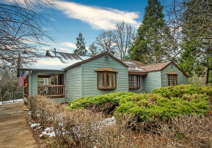 29413 Fenders Ferry Rd, Round Mountain, CA 96084