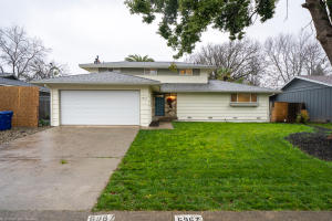 6967 Reflection St, Redding, CA 96001