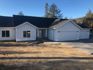 9055 Laurel Glen Drive, Redding, CA 96001