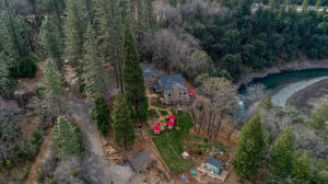 22200 Riverview Dr, Lakehead, CA 96051