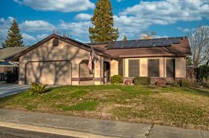 840 Village Dr, Red Bluff, CA 96080