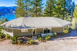 17900 Little Doe Ridge, Lakehead, CA 96051