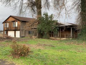 19586 Clover Rd, Redding, CA 96002