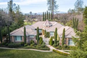 13464 Tierra Heights Rd, Redding, CA 96003