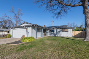 1735 Wisconsin Ave, Redding, CA 96001