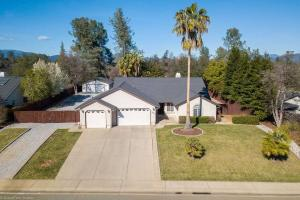 19252 Sellins View Ct, Redding, CA 96003