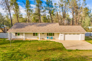 16190 Cloverdale Rd, Anderson, CA 96007