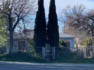 1701 E Cypress Ave, Redding, CA 96002