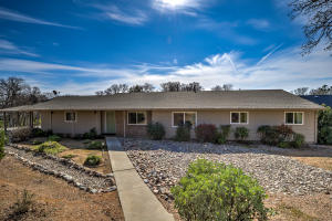 18935 Pinto Ln, Red Bluff, CA 96080