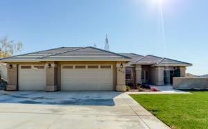 909 Albion Ave, Redding, CA 96003