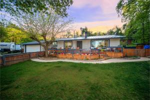 6930 Pine Dr, Anderson, CA 96007-9480