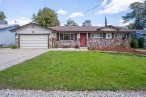 2101 Deerfield Ave, Redding, CA 96002