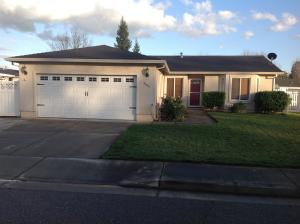 3593 Bearwood Pl, Anderson, CA 96007