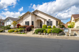 1756 Vineyard Trl, Redding, CA 96003