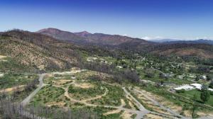 15289 Lamplight Dr, Shasta, CA 96087