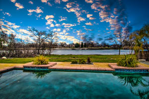6747 Riverside Dr, Redding, CA 96001