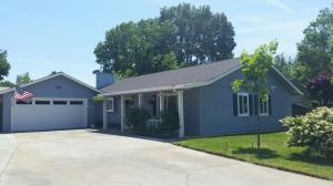 320 Michael Dr, Red Bluff, CA 96080