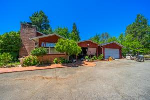 1542 Old Alturas Rd, Redding, CA 96003
