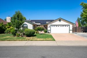 583 Armando Ave, Redding, CA 96003