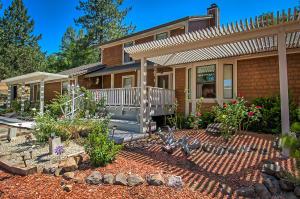 16211 Buzzard Roost Road, Bella Vista, CA 96008