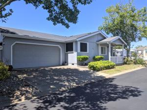 882 Butternut Trl, Los Robles Estates, Redding, CA 96003