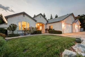 4295 Trinity St, Shasta Lake, CA 96019