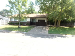 820 Dumosa Dr, Red Bluff, CA 96080