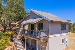 10810 Oak Run Rd, Oak Run, CA 96069