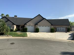 3845 Meadow Oak Way, Redding, CA 96002