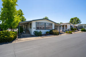 4555 Underwood Dr, Redding, CA 96003