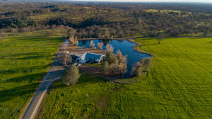 3 houses, 4 lakes and 160 acres, mostly irrigate! Wow.