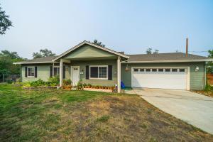 5484 Cedars Rd, Redding, CA 96001