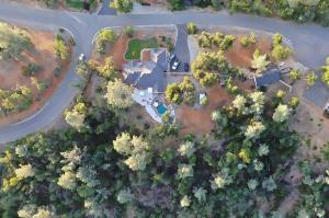 17645 Brehaven Ln, Anderson, CA 96007