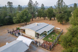 21385 Lela Ln, Redding, CA 96003