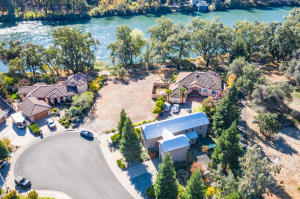 201 Mora Ct, Redding, CA 96003