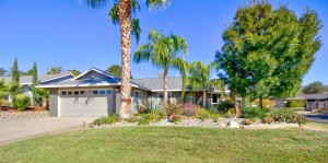 975 Partridge Dr, Redding, CA 96003